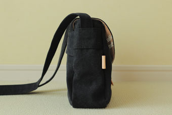 倉敷帆布ミニショルダーバッグ<ブラック>のマチ幅